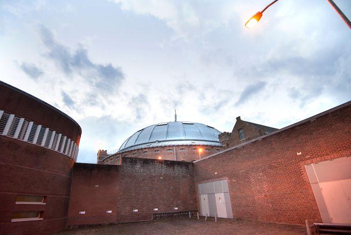 SLAK noemt de voormalige Koepelgevangenis als voorbeeld van een gemiste kans voor ateliers.