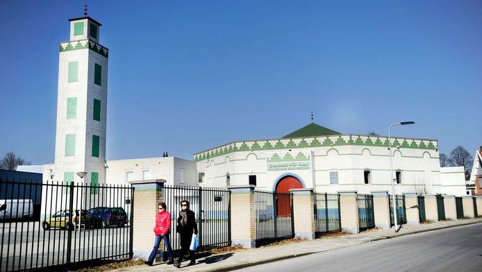 De Enschedese moskee die doelwit was van de brandaanslag.