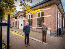 Criticasters over oud VVV-pand in Oldenzaal: 'Een Bentley met een Arabier voor de deur, is dat reuring?'