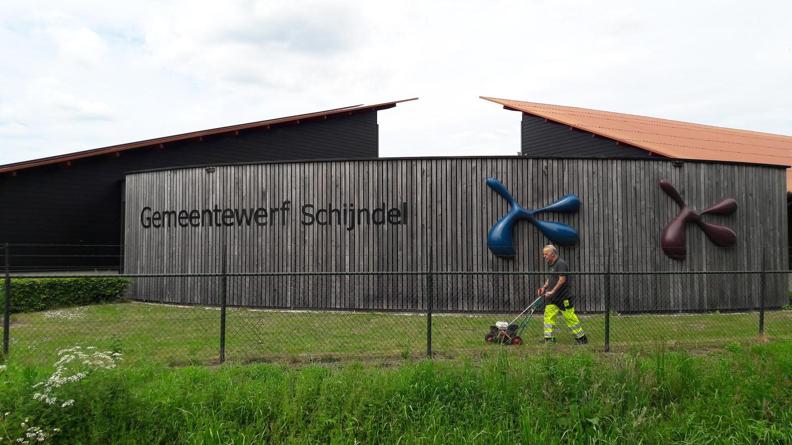 Een van de daken van de gemeentewerf in Schijndel ligt al een zonnepark, een tweede zonnepark is in aankomst.