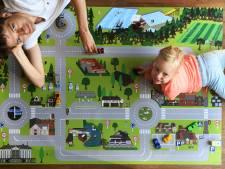 Speelkleed met gebouwen en straten van Leersum is een hit