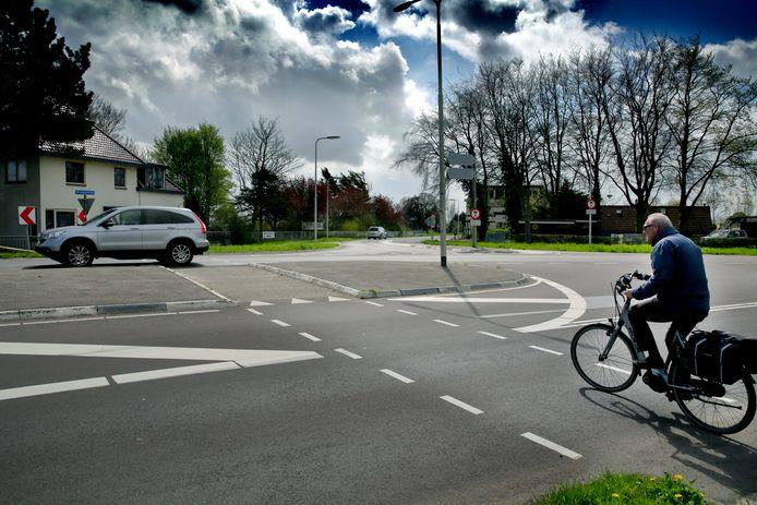 De gemeente voert tot en met volgende week vrijdag onderhoud uit aan de Beneden Oostdijk.