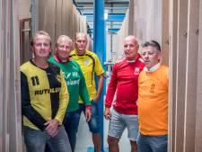 Collega's op de werkvloer, maar rivalen op het voetbalveld