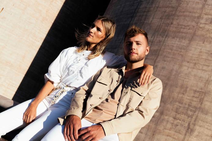 Suzan & Freek staan zaterdag 5 september met band in het Openluchttheater Eibergen.