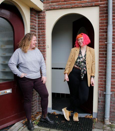 Dasha (29) en Carmel (29) zijn buren, heel verschillend, maar tóch beste vrienden: 'We hebben de grootste lol samen'