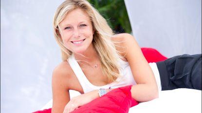 """Ex-Miss België Julie Taton werd overvallen: """"Ze duwden kalasjnikovs in ons gezicht"""""""