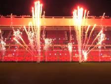 Vuurwerk op het heilige gras van het Philips Stadion in Eindhoven