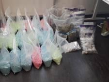 176.000 pillen en enkele kilo's aan softdrugs gevonden in Zegge