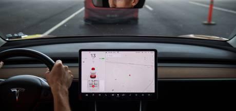 Musk: Tesla gaat video's van YouTube en Netflix streamen in auto