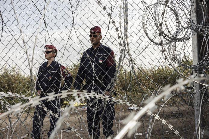 Gardes hongrois à la frontière (archives, 2015)