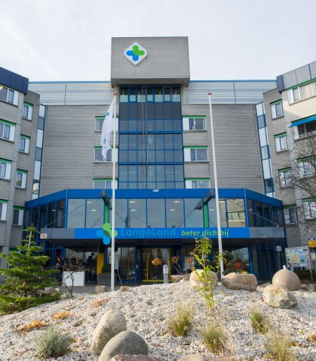 Nieuws over kleiner LangeLand ziekenhuis slaat bij de politiek in als een bom