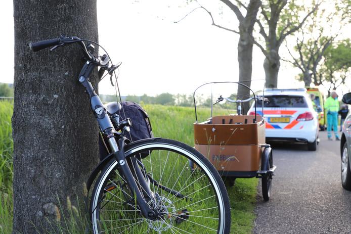 Een 70 jarige vrouw kwam woensdag in IJsselmuiden ten val nadat ze van achteren werd aangereden door een fietsende man.