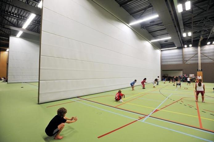 De sporthal van de brede school is in gebruik genomen. foto Marie-Thérèse Kierkels/PVE