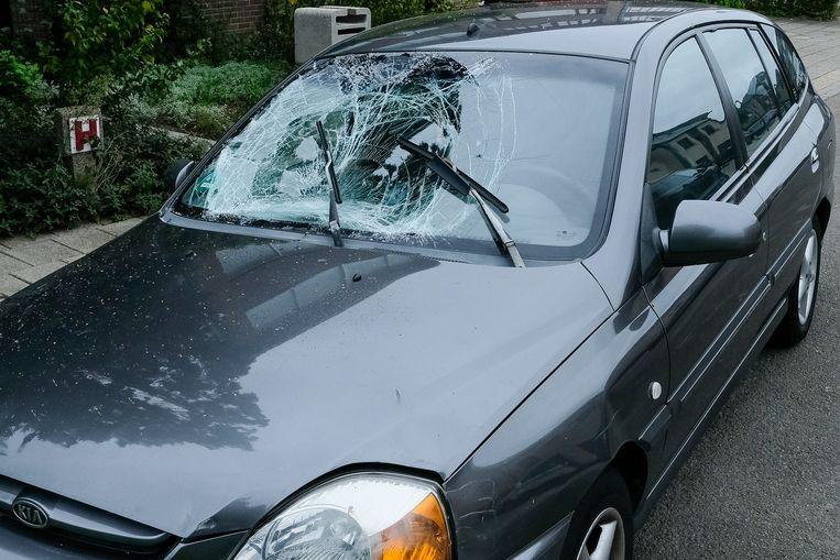 beschadigde auto in Diegem