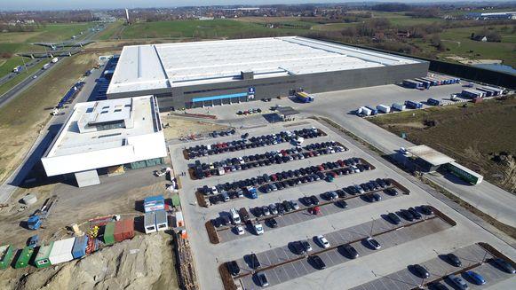 Het Europees distributiecentrum (EDC) in LAR-Zuid langs de autosnelweg in Aalbeke is de nieuwe parel van de gespecialiseerde groothandel Van Marcke.