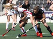 Amsterdam geeft hockeysters van Oranje-Rood pak slaag