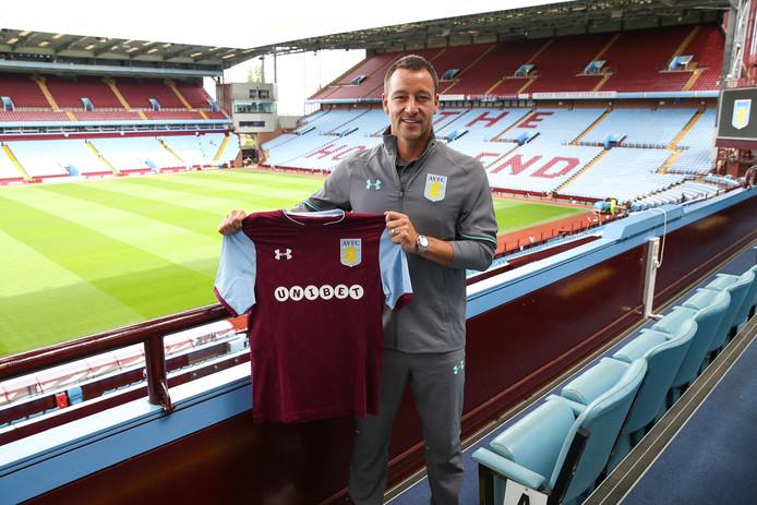 John Terry vorig jaar bij zijn presentatie als speler van Aston Villa.
