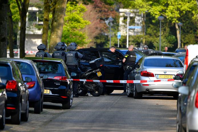 Op 23 april 2018 stroomde de Bremlaan in de Valkenswaardse wijk Het Gegraaf ook al vol met politie.