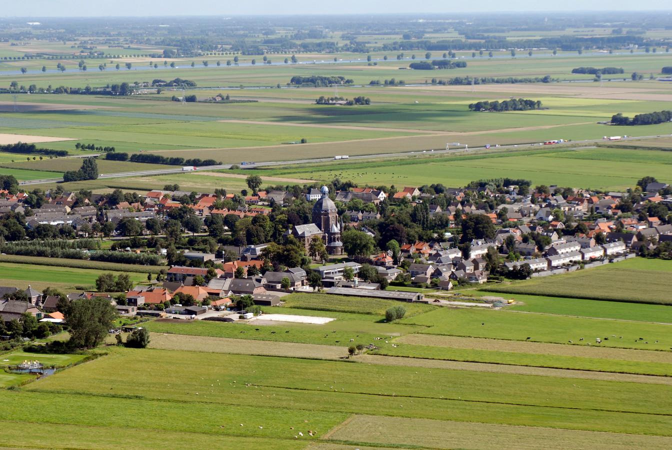 Raamsdonk, een jaar of 10 geleden, maar het is nog steeds een knus, klein dorp.
