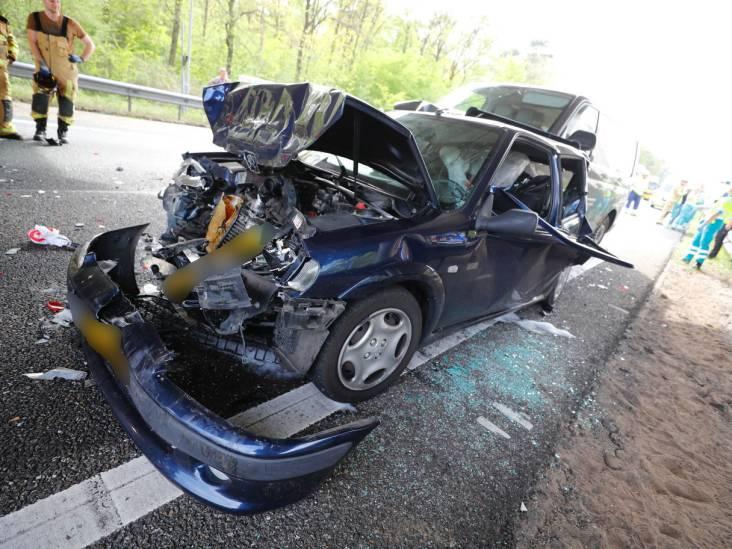 A58 bij Best dicht door ongeval met meerdere auto's