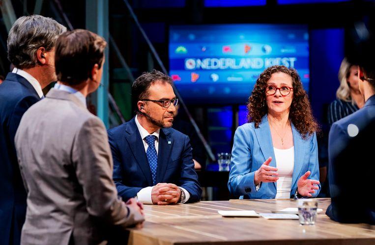 Ayhan Tonca (DENK) en Sophie in 't Veld (D66) tijdens een lijsttrekkersdebat bij de NOS aan de vooravond van de verkiezingen voor het Europees Parlement.  Beeld ANP