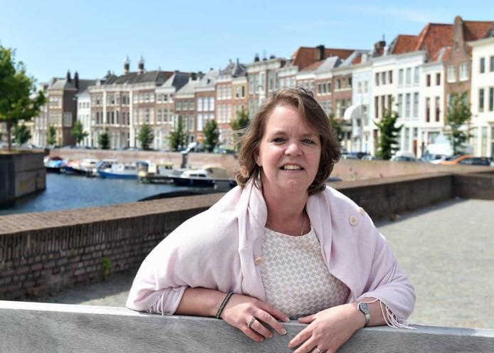 Jeanine Dekker wil moderne spullen verkopen uit landen waar Middelburg in de gouden eeuw mee handelde.