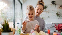 """Gezinstherapeut pleit voor mild ouderschap: """"We moeten niet straffen, maar babbelen met ons kind"""""""