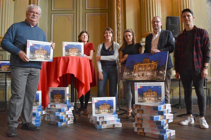 De puzzel van de Stadsschouwburg is er in beperkte oplage.