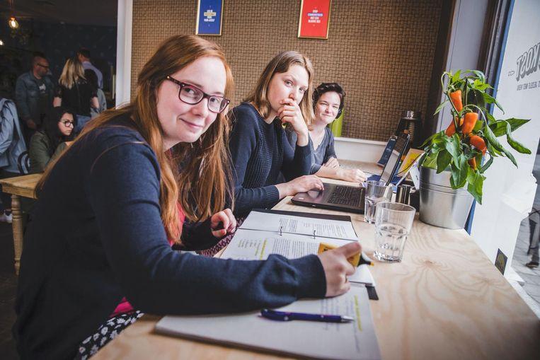 Jongeren komen niet alleen eten, maar ook studeren bij Straffe Kost.