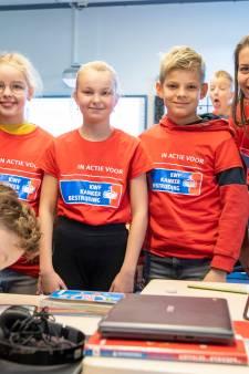 Juf Annemarie en juf Dianne hebben kanker, groep 8 in Nieuwleusen komt in actie