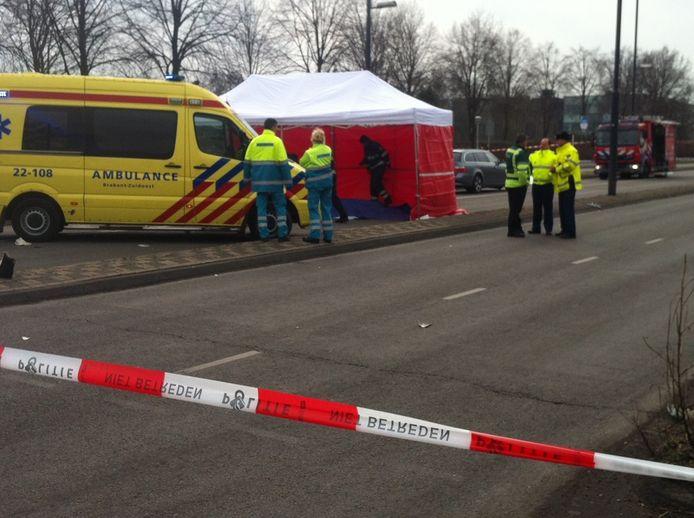 Bij het ongeval op de Noord-Brabantlaan kwam een 18-jarige vrouw om het leven.