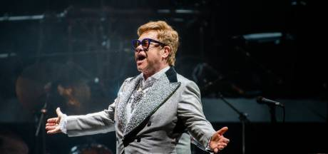 Na Engelse titel krijgt Elton John ook hoogste Franse onderscheiding