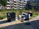 Bij deze ondergrondse container in De Koppel wordt vaak afval gedumpt.