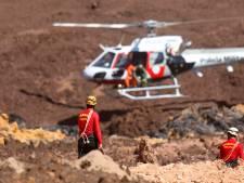 Nieuwe ecologische ramp dreigt door roodbruine modderstroom