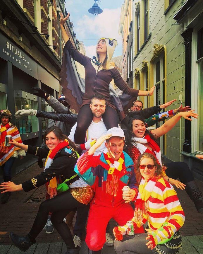 Carnaval in Den Bosch, door de Amerikaanse gemeenschap.