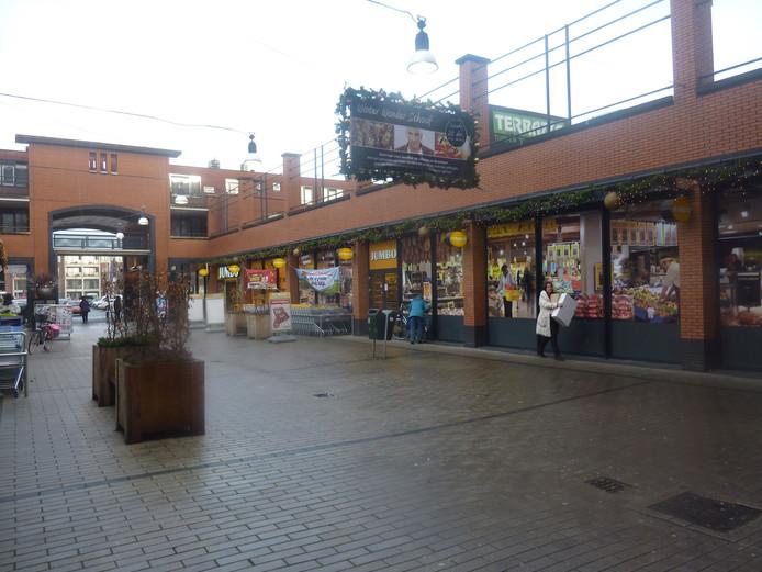 Winkelcentrum De Schoof in Hendrik-Ido-Ambacht, met de Jumbo.