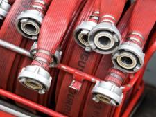 Zwolse en Hattemse brandweer vijf uur in touw voor broeibrand in berg maaiafval
