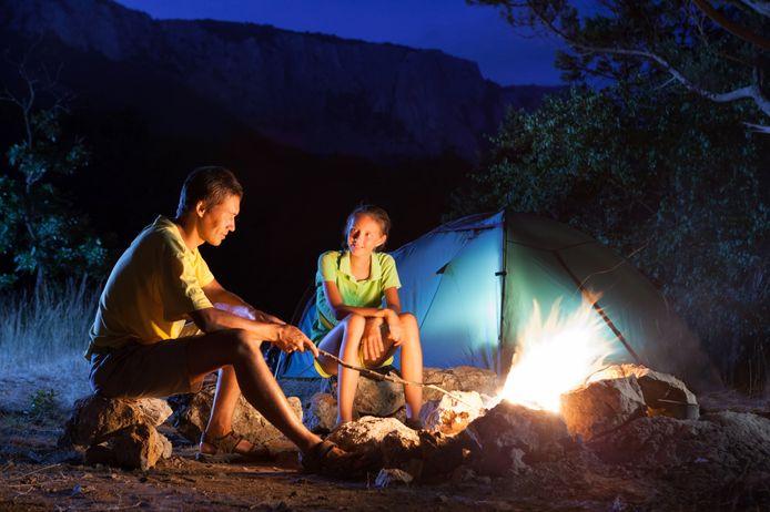 Foto ter illustratie. Open vuur mag niet op een paalkampeerplek.