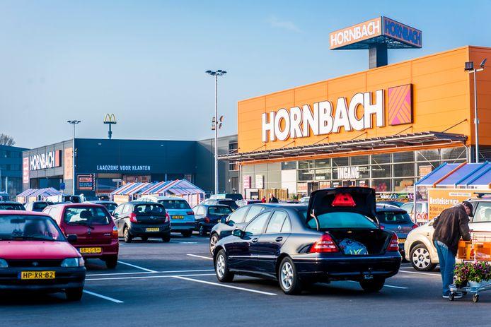 Hornbach wil zich vestigen in Almelo en Enschede.