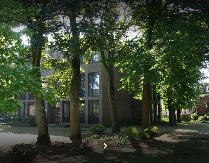 De nieuwste school zit momenteel aan de Sint Josephstraat 106.