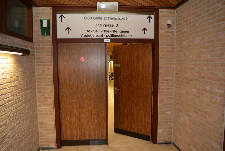 De man werd veroordeeld in de rechtbank van Veurne.