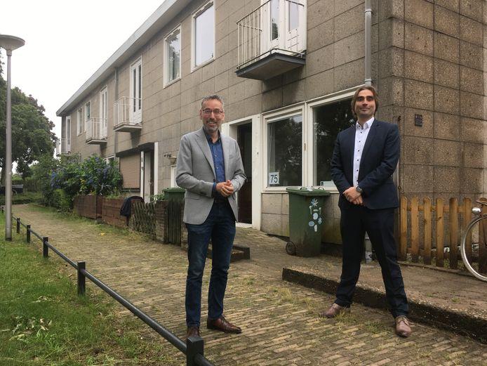 Gelders gedeputeerde Jan van der Meer (links) en Talis-bestuurder Ronald Leushuis in de Jerusalembuurt.