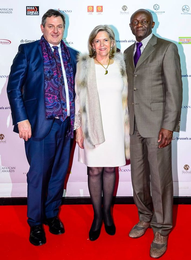Geriit Kempeneers met zijn levenspartner en Pierre Kompany, burgemeester van Ganshoren
