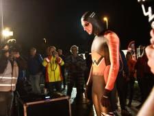 Olympisch kampioen Van der Weijden begonnen aan Elfstedenzwemtocht