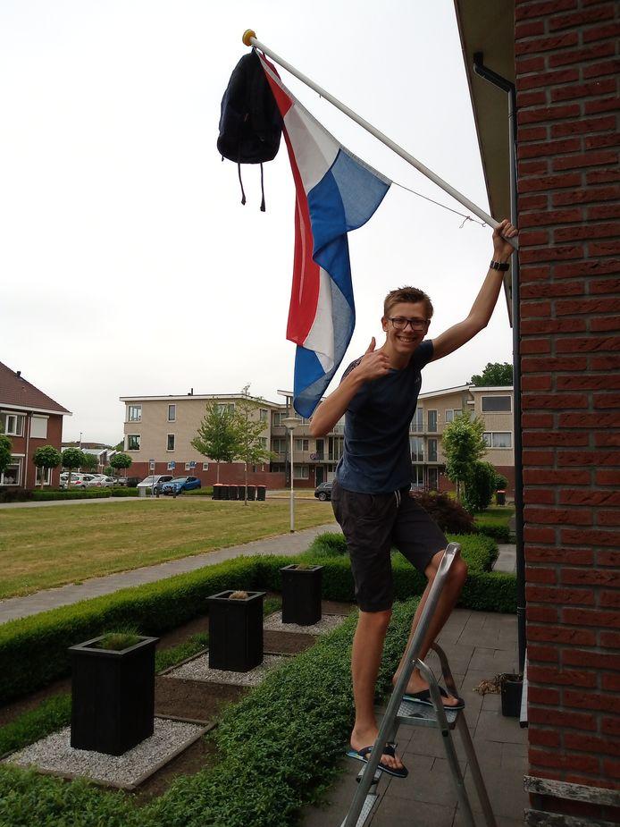 Melle de Haan uit Vriezenveen is geslaagd voor zijn vwo.