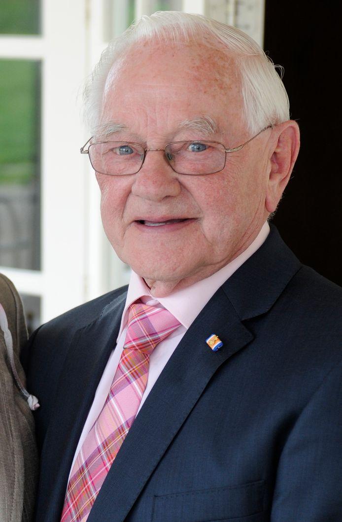 Jan van Dongen, bijgenaamd Jan Bus, bij de gouden bruiloft in 2012.