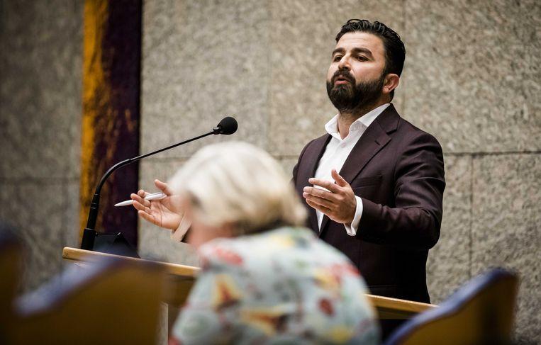 Selçuk Öztürk (DENK) tijdens het debat in november over de burgerslachtoffers in Hawija.  Beeld ANP - Bart Maat