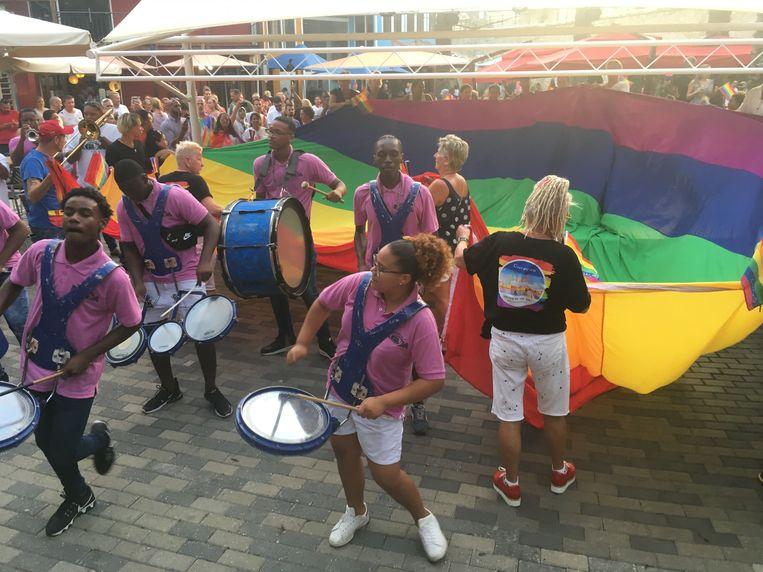 Het begin van de jaarlijkse week van de Curacao Pride op Curaçao. Beeld Kees Broere