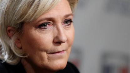 Franse Front National buigt zich samen met Steve Bannon over naamsverandering