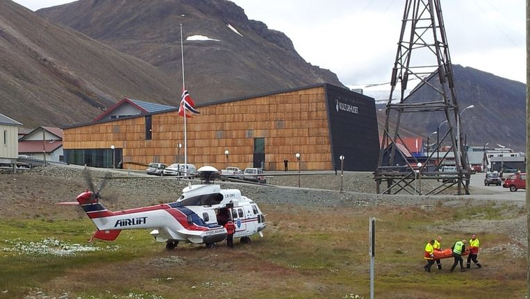 Het slachtoffer werd per helikopter afgevoerd. Beeld reuters